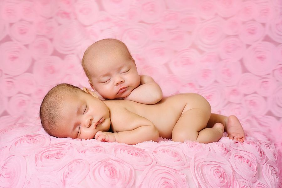 bebês gemeos dormindo