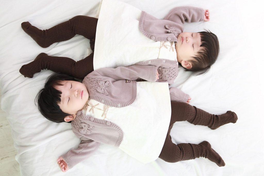 gêmeos baby twins